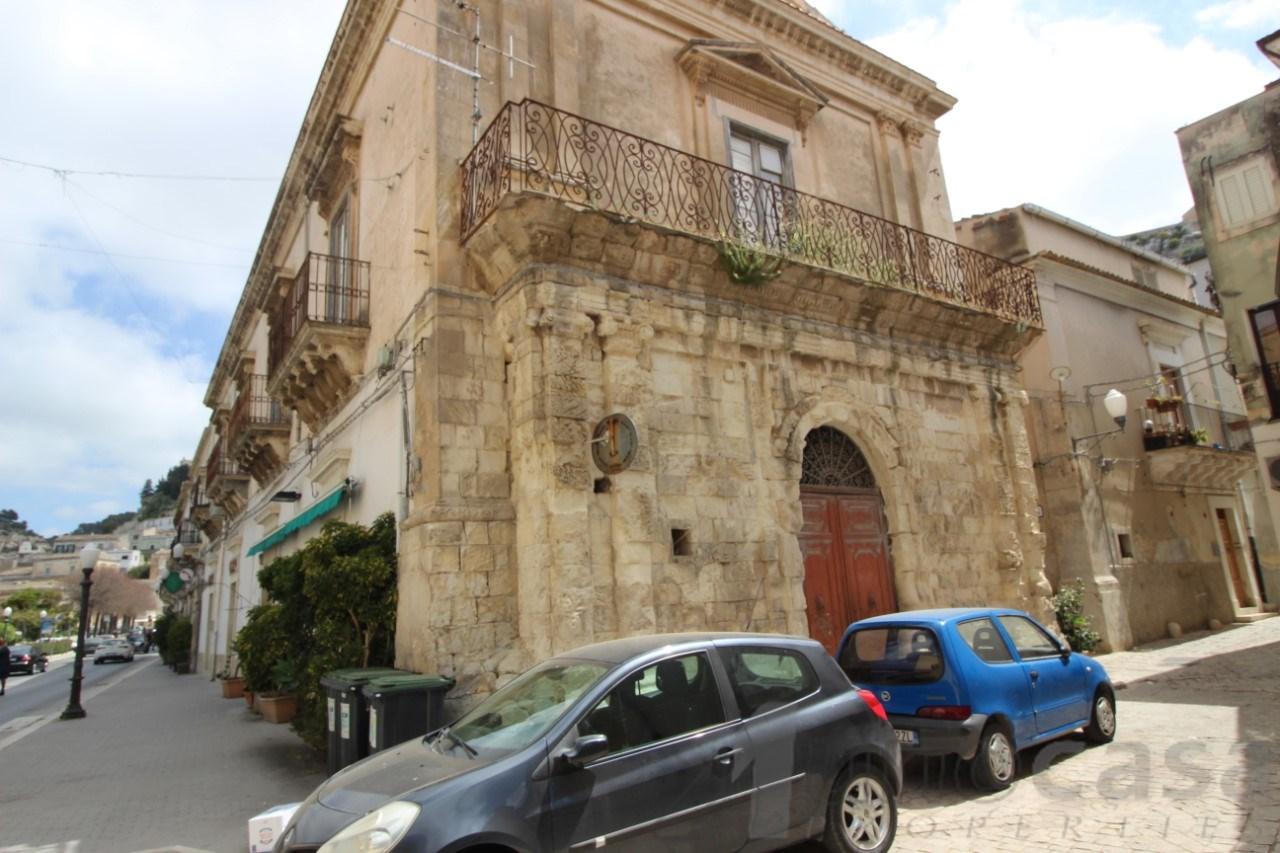 Palazzo / Stabile in Vendita a Scicli
