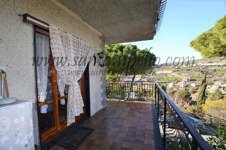 Appartamento in vendita a Bordighera, 4 locali, prezzo € 285.000 | PortaleAgenzieImmobiliari.it