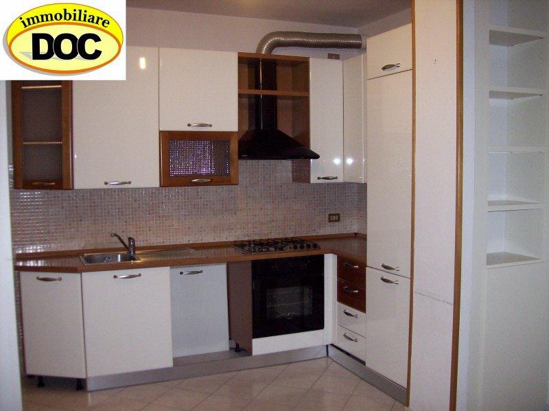 Appartamento in vendita a Santa Maria a Monte, 3 locali, prezzo € 110.000 | CambioCasa.it